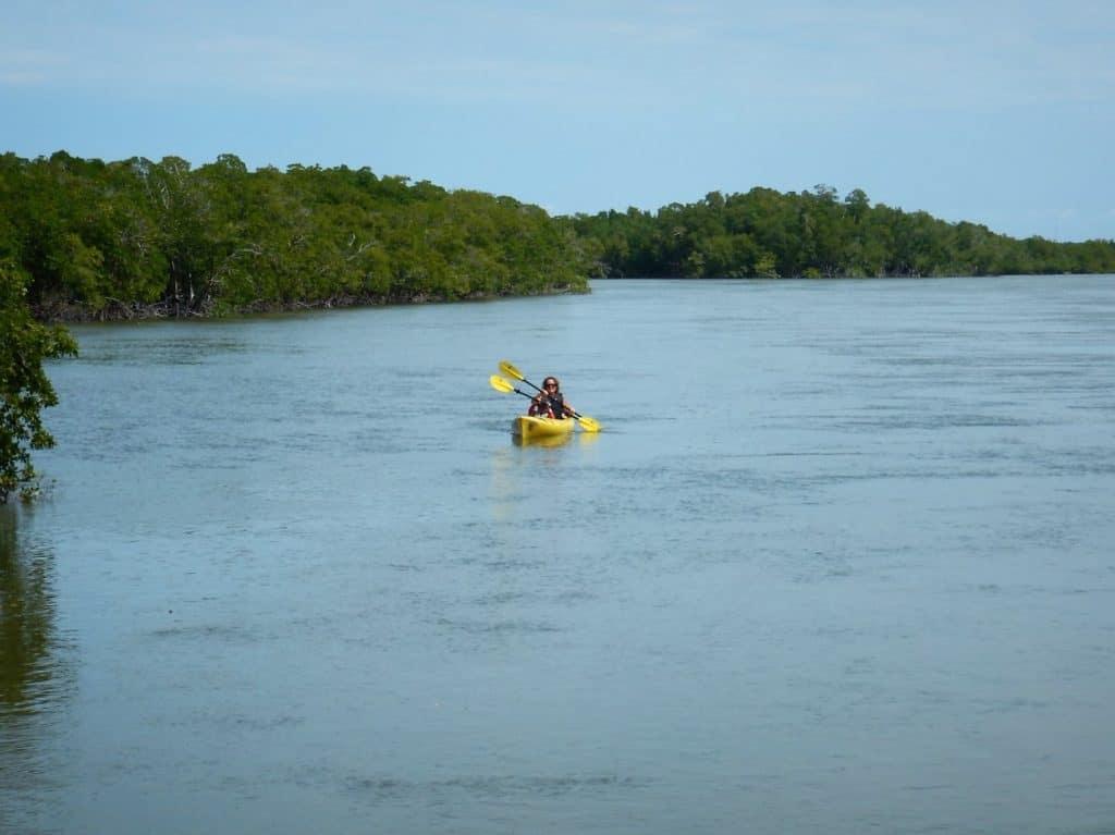 Kajakken naar Sandfly Island