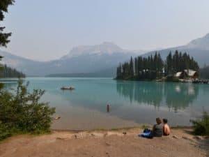Lees meer over het artikel Banff via Natural Bridge Yoho en Emerald Lake