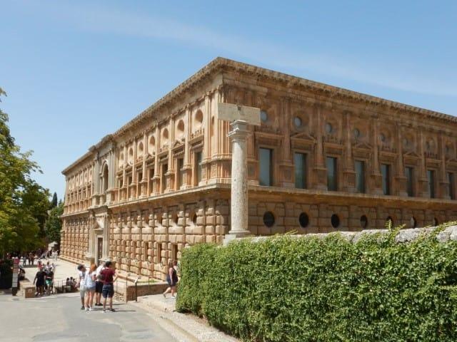 Het Alhambra bezoeken in Granada - Paleis van Carlo V - Alhambra